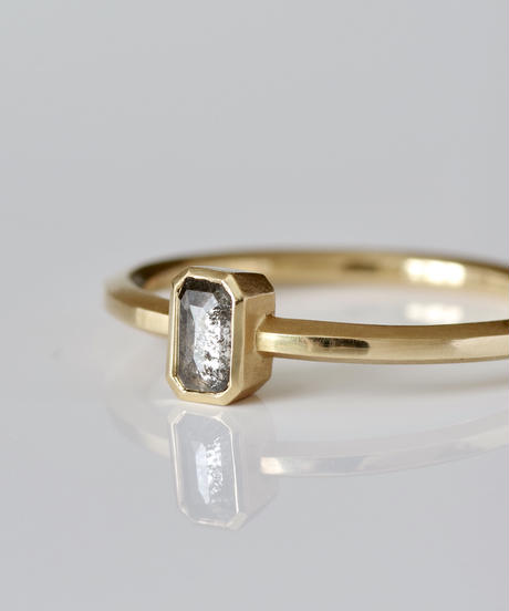 One of a kind / Diamond Ring <K18YG> - R 228C