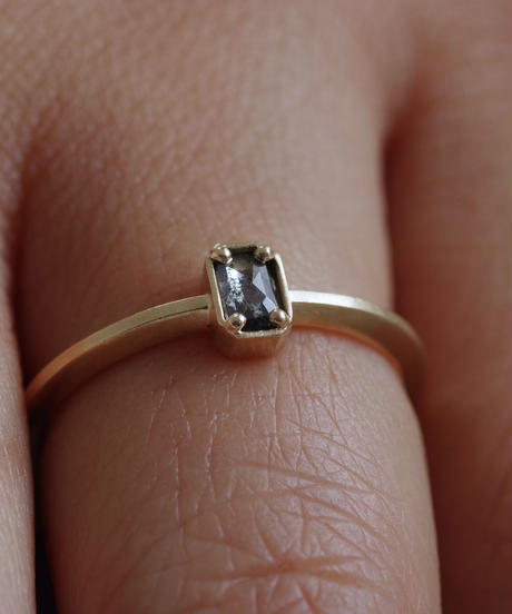 One of a kind / Diamond Ring <K18YG> - R157C