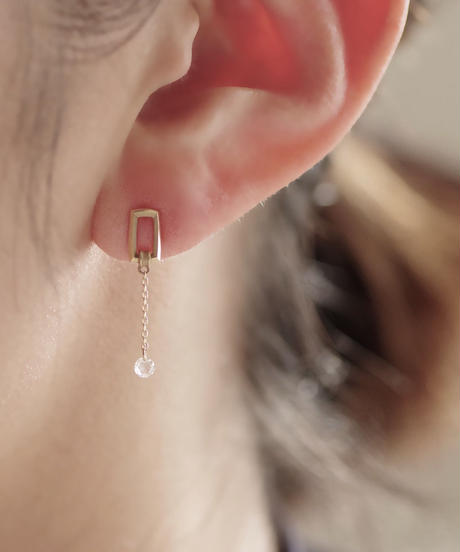 Rosecut diamond stud pierces - Square <K18YG>