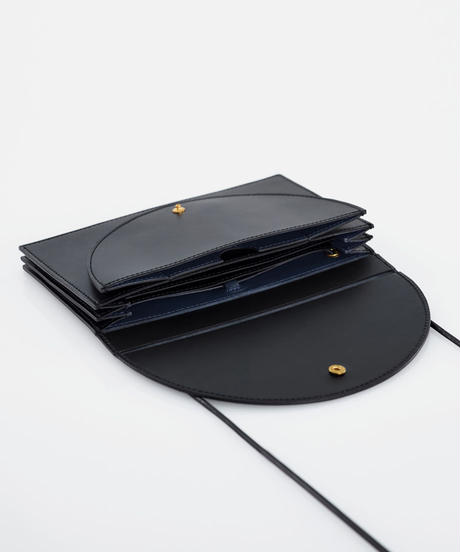 Long wallet shoulder