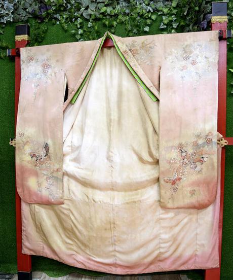 ki-J.0002   ヴィンテージピンクのムラ染め振袖、おきつねさん。着物Set