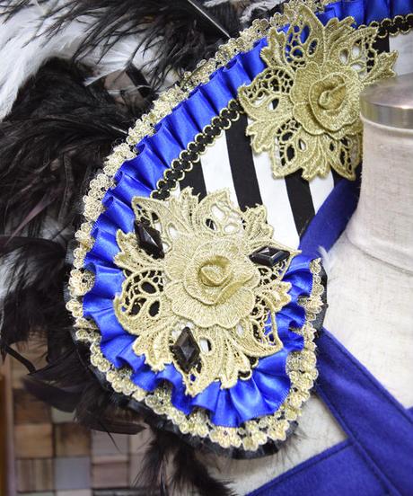 kki. 2184 青と薔薇のゴージャスフェザーカラー。