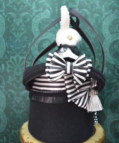 kki.2384 白うさぎのマジックシルクHATBAG。<白黒>
