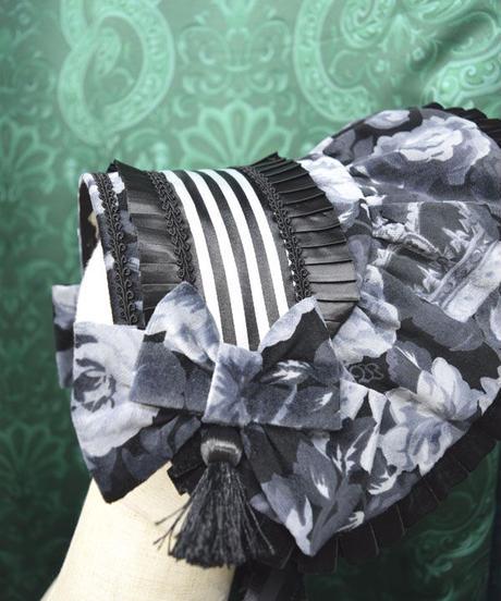 kki.2390 王冠と薔薇ボンネットフリルヘッドドレス。