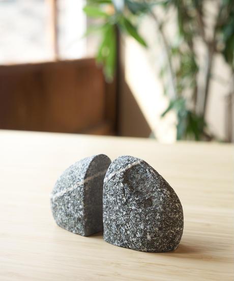 石のブックエンド