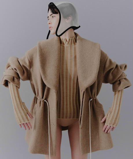 stripe turtleneck  (beige)