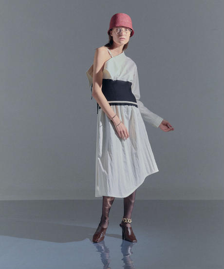 Lame cloche hat (red)