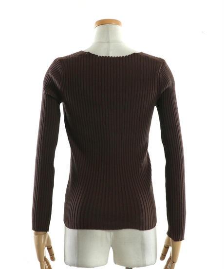 seasonal cross knit