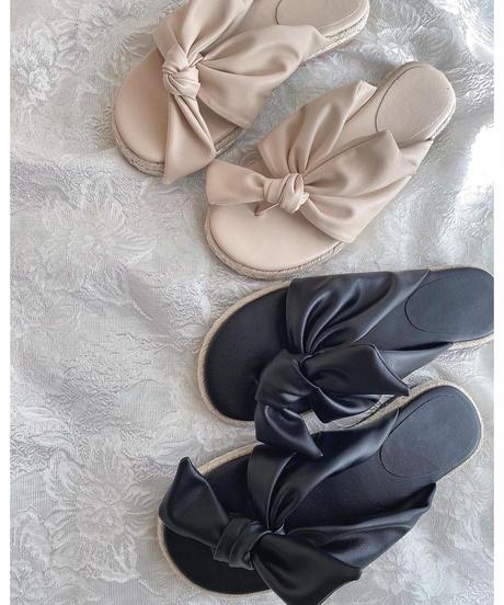 Ribbon sandal
