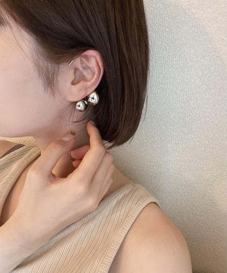 wavering ear cuff
