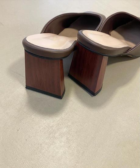 Wood heel mule