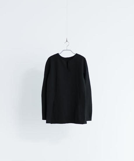 Women's  V necked Sweater Black  (Vネックセーター・ブラック)