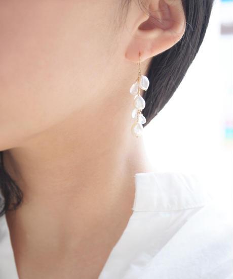 【anq.】K18/K10 ホワイトパール/レインボームーンストーンピアス