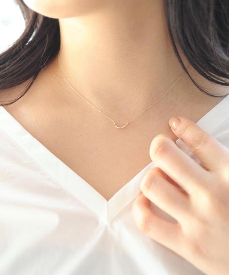 【anq.】K10・ダイヤモンドプチネックレス(三日月)