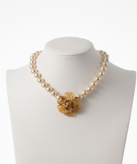 【buyer collection】Madam Gripoix  camelliaネックレス