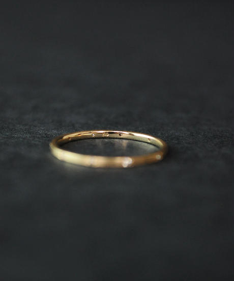 【anq.】K10・9石彫り留めダイヤモンド バンドリング