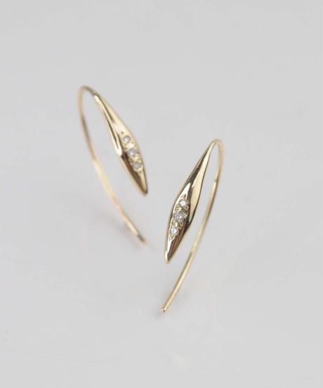 【anq.】K10・0.03ctダイヤモンド 「dew」 フックピアス