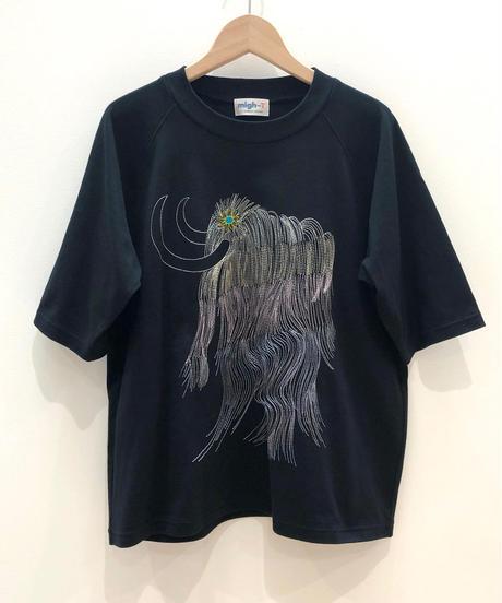 虹色マンモス刺繍のラグランTシャツ (black)