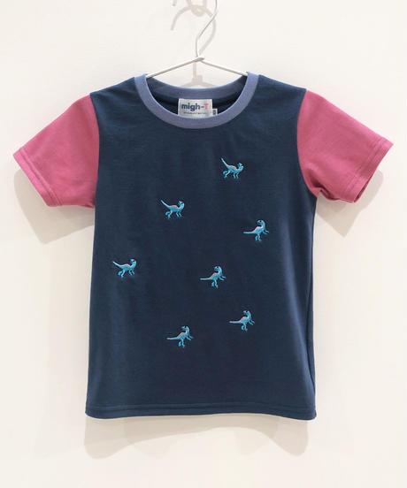 7匹の恐竜の刺繍キッズTシャツ (blue)