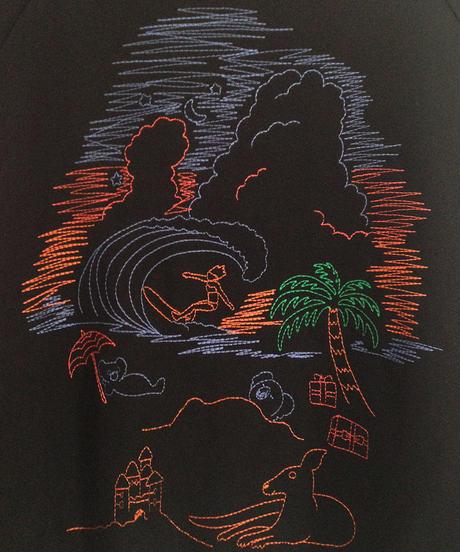 ビーチの風景刺繍のスウェット (black)