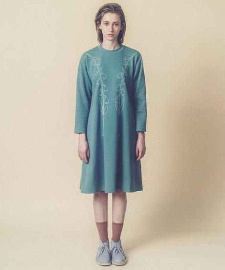 スズラン刺繍スウェットワンピース (blue)