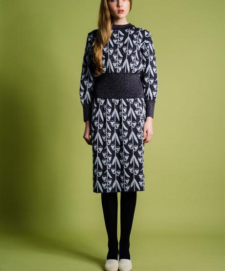 逆さまスズランのニットスカート (charcoal)