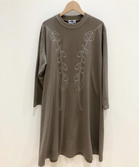 スズラン刺繍スウェットワンピース (beige)