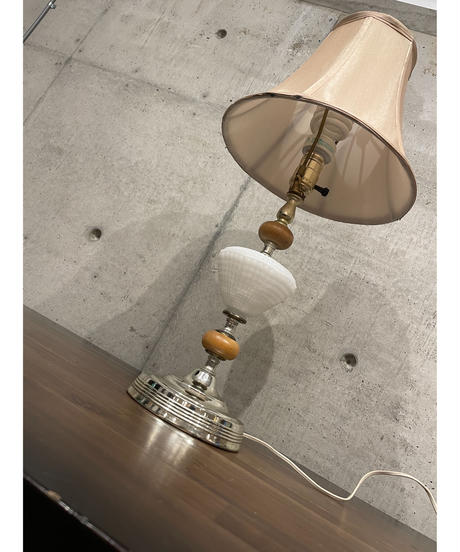 ヴィンテージ ミルクガラス テーブルランプ