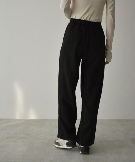 bottoms-02097 ツータック ウエストデザイン セミワイド ストレートパンツ ブラック