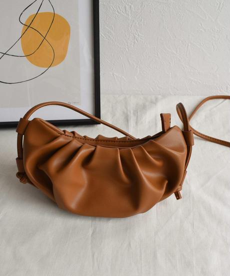 bag2-02509 エコレザー  ギャザーポシェット ショルダーバッグ ブラック エクリュ ダスティパープル キャメル