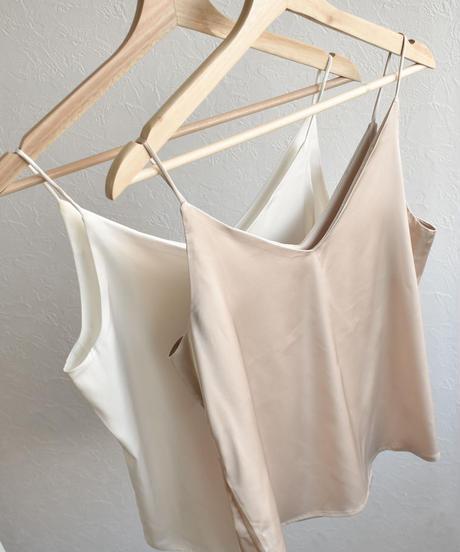 nh-tops-02154 Vネック サテンキャミソール ホワイト ベージュ