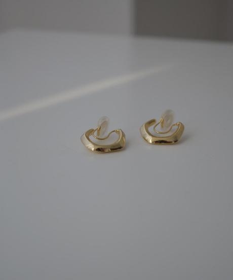 mb-pierce2-02417 ニュアンスフープ イヤリング ゴールド