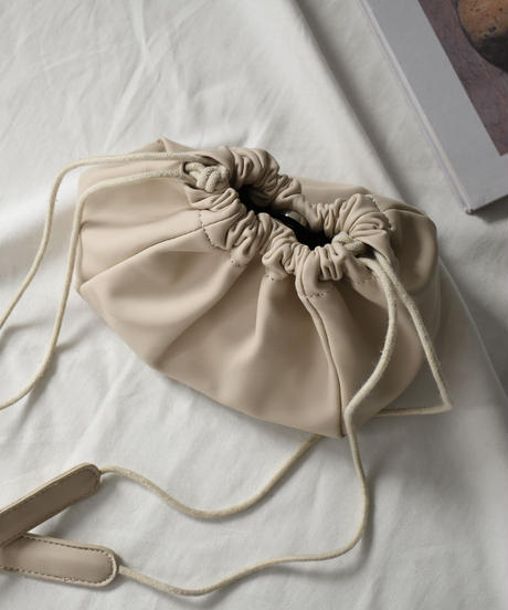 bag2-02480 エコレザー 巾着バッグ アイボリー