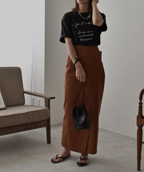 nh-tops-02177 フロント ロゴTシャツ ブラック ライトカーキ