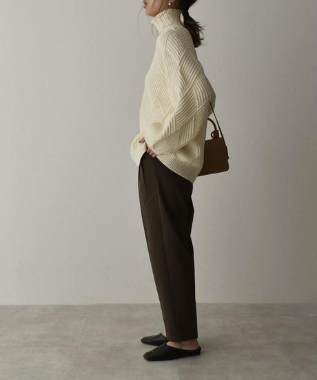 knit-02105 ウール混 ダイヤリブ ボリュームスリーブ ニット オフホワイト ブラック