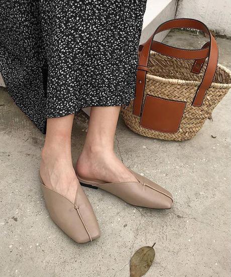 shoes-02067 センターシーム スクエアトゥVカットサンダル エクリュ モカ ダークブラウン