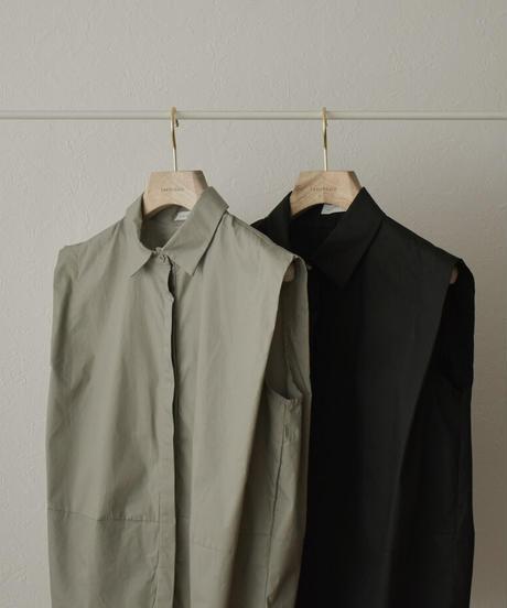 nh-tops-02244 タックショルダー ノースリーブシャツ ライトカーキ ブラック