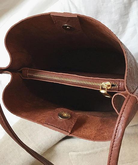 bag2-02471 シワ加工 エコレザー ショルダーバケツバッグ ブラウン