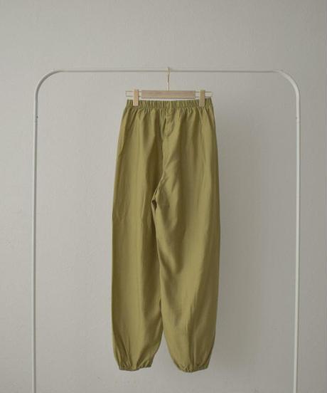 nh-bottoms-02120 サテン イージーパンツ グリーンイエロー