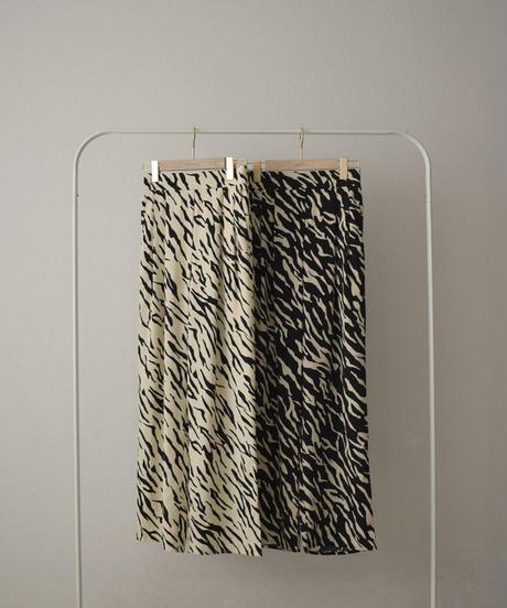 bottoms-07013 random brush pattern タックパンツ エクリュ ブラック