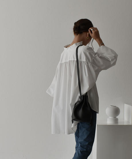 5月中旬入荷分 予約販売 tops-04045 日本製 ボリュームスリーブ ギャザーブラウス ブラック ホワイト