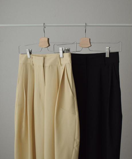 bottoms-02109 スリータック ワイド テーパード パンツ クリーム ブラック