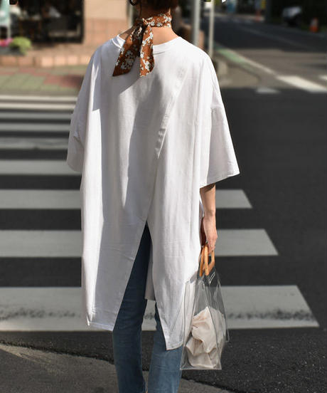 nh-tops-02073 バックスリット オーバーサイズTシャツ ホワイト ブラック