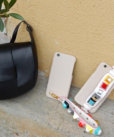 mb-iphone-02262 ベージュ スタッズ付きベルトストラップ   iPhoneケース