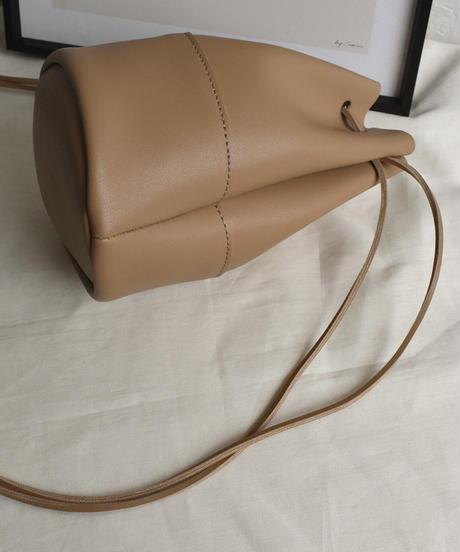 bag2-02508 エコレザー ミニ巾着バッグ ブラック エクリュ モカベージュ