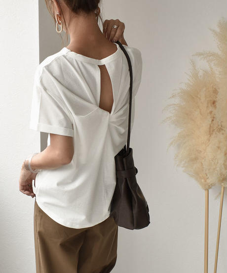 nh-tops-02125 バックツイストTシャツ ホワイト ブラック