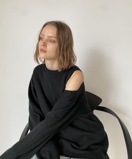 Asymmetry slit knit pullover