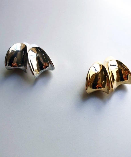 metal curve form earring