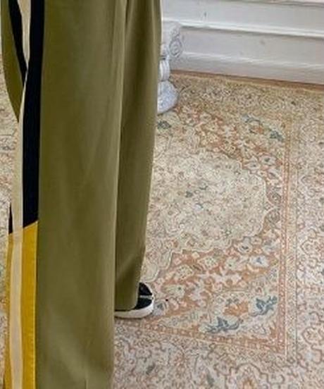 スポーティサイドライン入りストライプストレートワイドパンツ2色