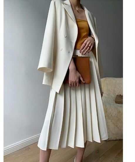 アイボリービジネスシーンにも〇大きいプリーツロングスカート